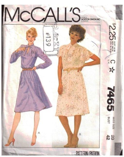 McCalls 7465 M